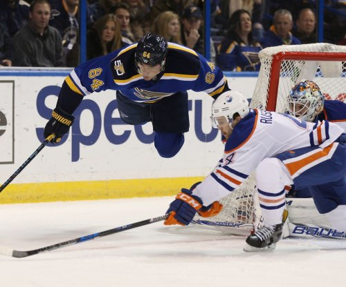 Edmonton Oilers extend Kris Russell's contract