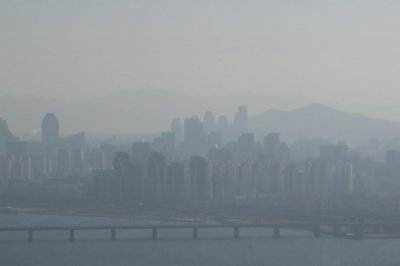 Fine particle pollution is a disaster as serious as heat wave, South Korean President says