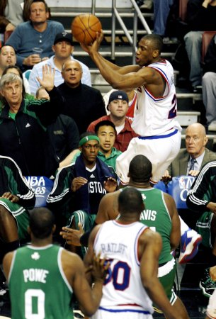 NBA: Boston 100, Philadelphia 98