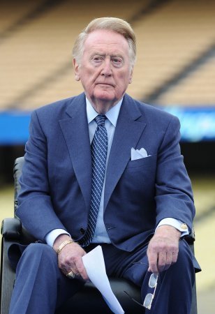 Vin Scully to be Rose Parade grand marshal