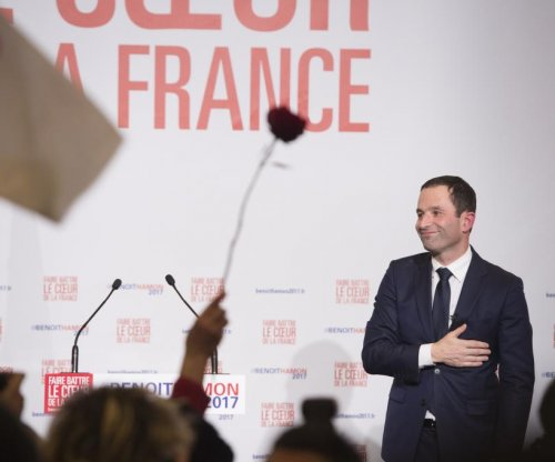 Hamon wins French Socialist primary for presidential nomination