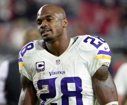 Former Minnesota Vikings RB Adrian Peterson scheduled to visit New England Patriots on Monday