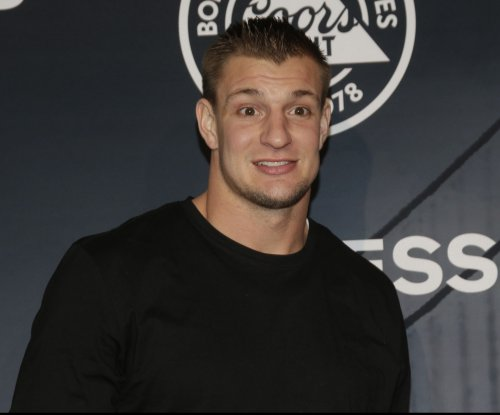 Rob Gronkowski disses David Ortiz, Atlanta Falcons and others in roast