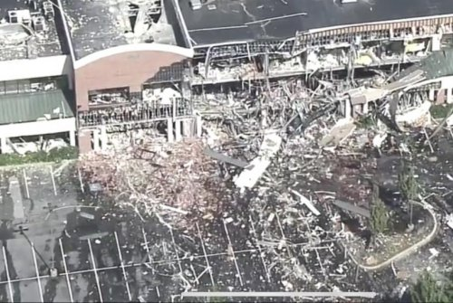 Gas explosion levels Maryland shopping mall