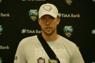 Jacksonville Jaguars QB Nick Foles out indefinitely with broken clavicle