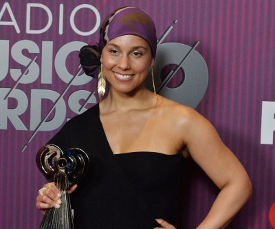 Alicia Keys to host Grammy Awards in January
