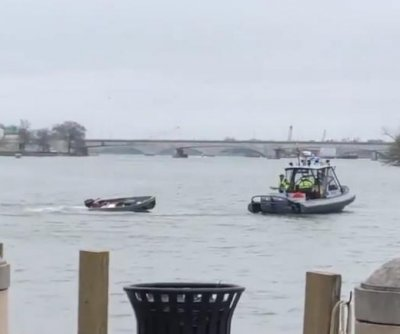 Boat bucks driver, keeps doing donuts in Potomac River