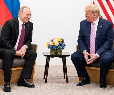 U.S., Russia near deal to extend nuclear arms treaty, freeze warheads