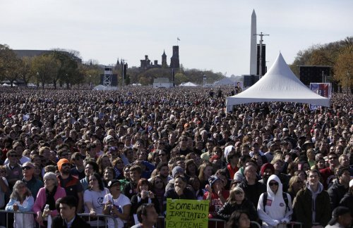 Jon Stewart rally fills National Mall
