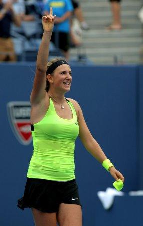 Azarenka locks up No. 1 ranking with win