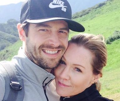 Jennie Garth engaged to actor Dave Abrams
