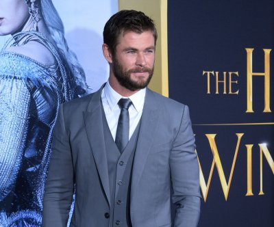 Chris Hemsworth publicly pledges support for the Standing Rock protests over the oil pipeline