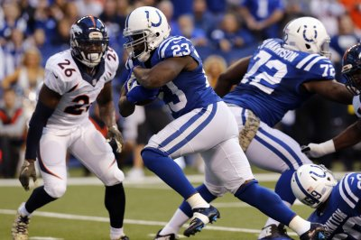 Miami Dolphins coach Adam Gase not concerned with Frank Gore's age