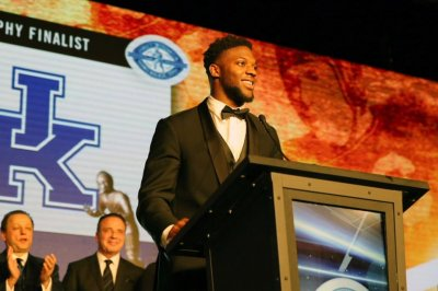 Kentucky Wildcats LB Josh Allen wins Nagurski Trophy