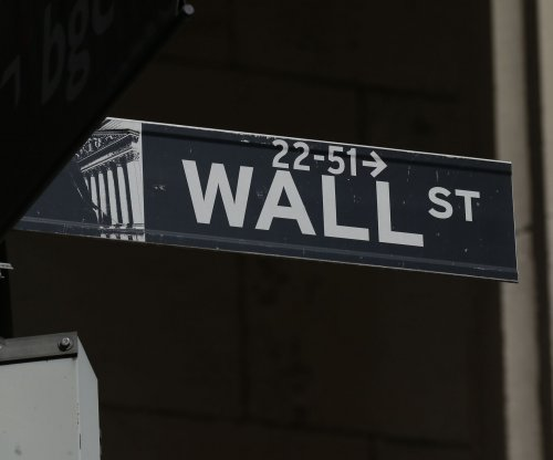 Dow falls 509 points, S&P 500 marks four straight days of losses