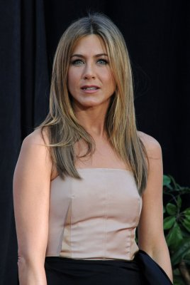 Aniston headed to 'Cougar Town'