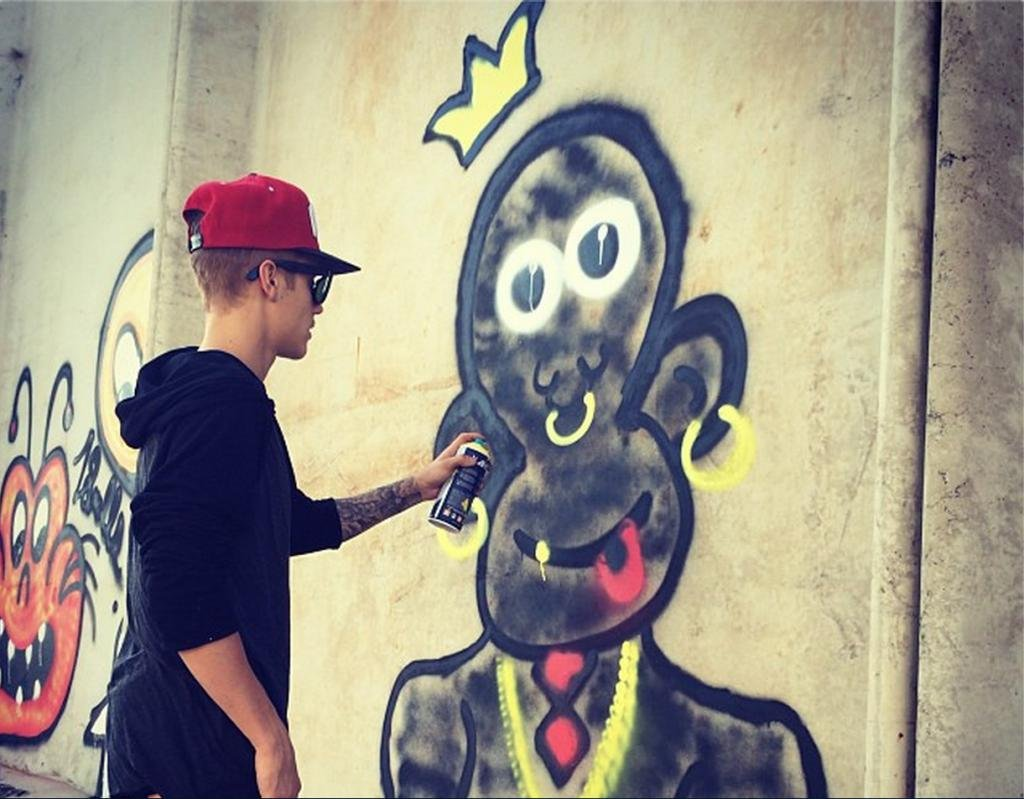 Justin Bieber charged with vandalism for \'racist\' monkey graffiti ...