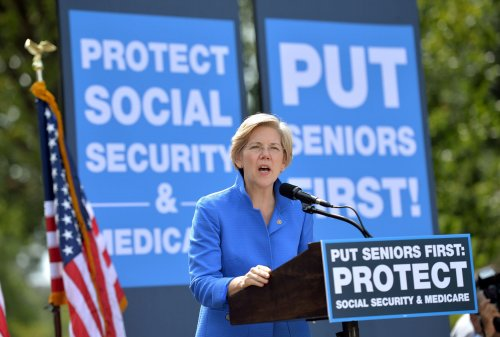Elizabeth Warren claims President Obama protected Wall Street, not the people