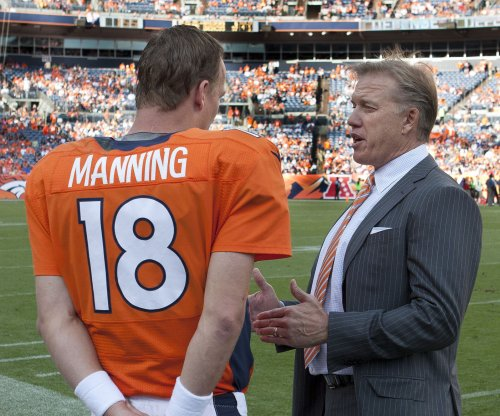 Peyton Manning meets with Denver Broncos