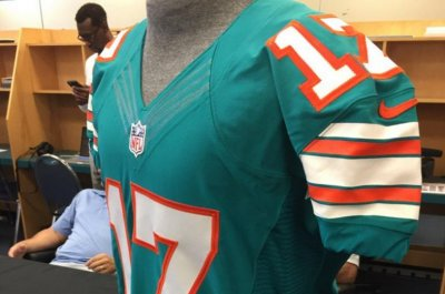 1d89041101a0e Miami Dolphins going throwback for Monday Night Football - UPI.com