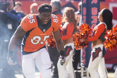 Denver Broncos TE Virgil Green departs with concussion