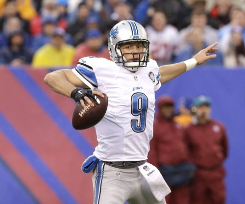 Detroit Lions QB Matthew Stafford suffers injury scare during Thanksgiving Day game