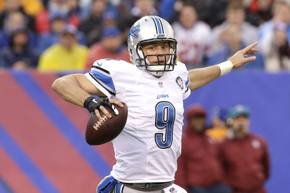 Detroit Lions QB Matthew Stafford suffers injury scare during