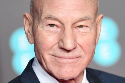 Patrick Stewart begins work on new 'Star Trek' series