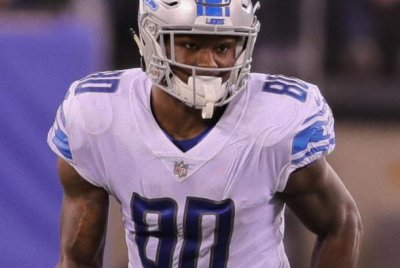Green Bay Packers claim TE Michael Roberts off waivers from Detroit Lions