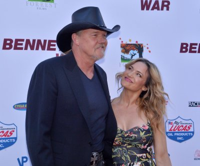 Trace Adkins marries Victoria Pratt in New Orleans