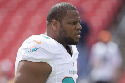 The Miami Dolphins' $114 million problem: Ndamukong Suh