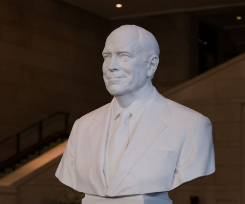 Bust of Dick Cheney unveiled at U.S. Capitol