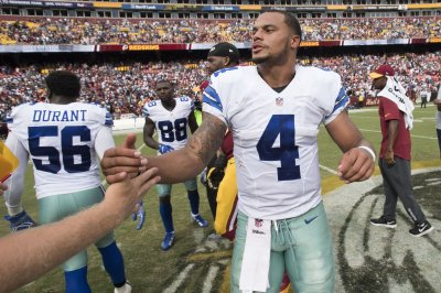 Dallas Cowboys roll over winless Cleveland Browns behind Dak Prescott