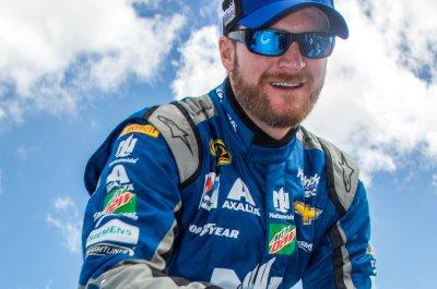 Daytona 500: Dale Earnhardt Jr. medically cleared, will return for 2017