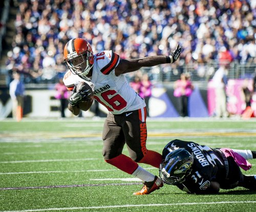 New England Patriots sign former Cleveland Browns WR Andrew Hawkins to 1-year deal