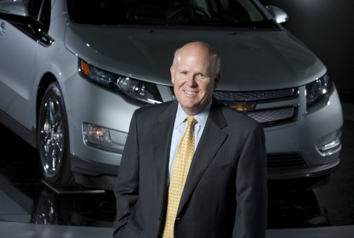 GM to hire 1,000 with Volt out of the box