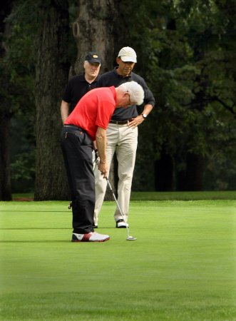 Clinton: Good works ruining his golf game