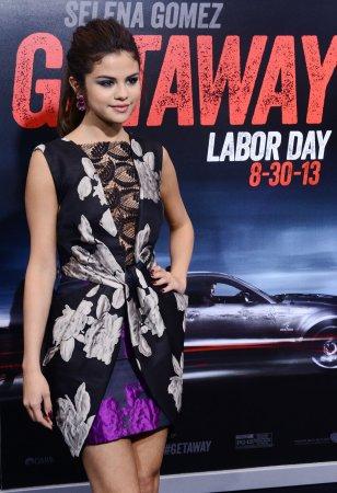 Selena Gomez to take a break from recording to focus on film
