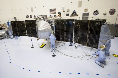 NASA Mars probe MAVEN begins 10-month trip to Mars