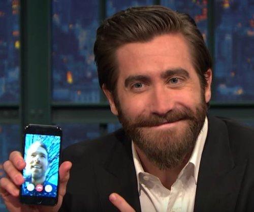 Jake Gyllenhaal FaceTimes Ryan Reynolds on 'Late Night'