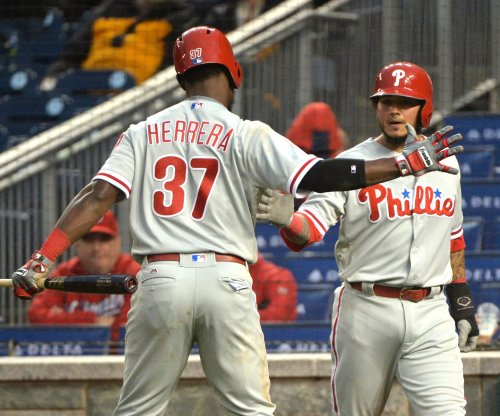 Freddy Galvis, Cesar Hernandez power Philadelphia Phillies past Cincinnati Reds
