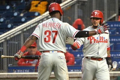 Freddy Galvis, Cesar Hernandez power Philadelphia Phillies past Cincinnati Reds