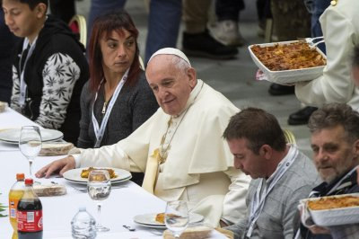 Pope Francis condemns greed of the wealthy on World Day of the Poor