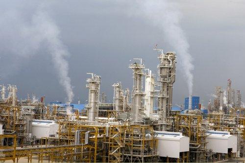 Iran, facing sanctions, hits Caspian gas