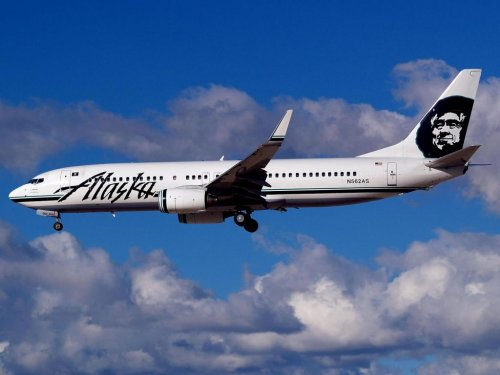 Alaska Airlines 737, cargo plane have near miss