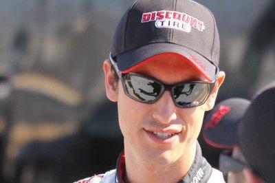 Joey Logano wins third straight Martinsville pole