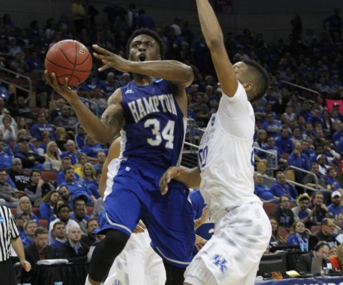 Former Kentucky F Marcus Lee plans transfer to California