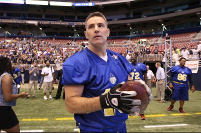 Kurt Warner's journey capped with enshrinement into Hall of Fame