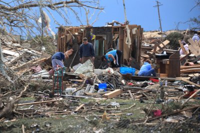 Oklahoma mayor has seen eight tornadoes in 20 years