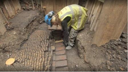 Remains of first Shakespeare theater found